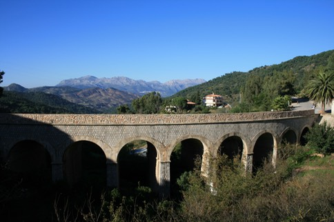 Gaucin bridge Spain.jpg